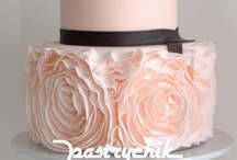 Cake Inspiration / Cakes to covet & admire. www.bisousweet.com
