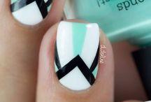 Art Deco nails / Vintage patterns on nail designs
