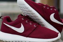 #NikeRosheRun.
