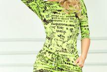 Volnější sportovní šaty s potiskem a tříčtvrtečními rukávy / Volnější sportovní šaty s potiskem a tříčtvrtečními rukávy