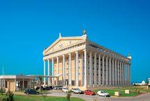 Kaya Artemis Resort  & Casino / Kaya Artemis Hotel & Casino, Bafra turizm bölgesinde olup, Ercan Havalimanı'na 72 km, Gazi Magosa'ya 38 km uzaklıkta yer almaktadır. Toplamda 726 odaya sahip olan tesis ana bina ve tatil köyünden oluşmaktadır.