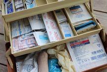 Prvni pomoc a Lekarna (First aid kits)