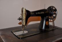 Singer 1938 / I bought a treadle 1938 sewing machine. Let the fun begin!