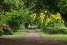 Errol Park Gardens / Errol Park is set in a wide expanse of beautiful gardens and land