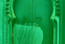 Emerald!  / So in love with this jewel of a color. See how it inspires us in weddings, design & beyond.