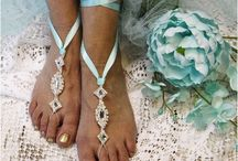 """Tiffany Blue Wedding ideas /    Channel your inner Audrey Hepburn for your """"Breakfast at Tiffanys"""" inspired wedding."""