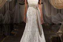 Dresses / by Bethany Medina