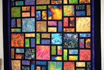 P&Q - STAINED GLASS QUILT INSPIRATION / by Sylvia Maroja