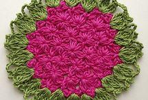 Crochet : Granny Squares / by Reggie Gwin