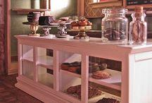 Bakery Colors / Decor / by Pamela's Heavenly Treats