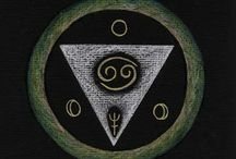 Zomer- en Winterweken / In het Dominicanen Klooster te Huissen geef ik Winter- en Zomerweken, waarin gewerkt wordt met thema's in Mandala's.  In 2014 is het Winterthema Lichtspelkaarten/Symboolkaarten. Het Zomerthema is Numerologie en de Levensboom met een beetje Kabbala