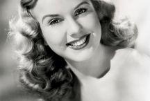 Women + hair style 1930 - 1940