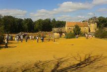 sortie au château de Guedelon / château de Guedelon situé en Puisaye, un petit coin de paradis pour les amoureux de la nature Francaise, visiter par plus de 300000 personnes par an , venus du monde entier, rdv des autos et motos de collection