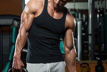 fittefries / leeftijd is een cijfer. laat je er niet door tegen houden om voor een sterk lichaam te gaan.
