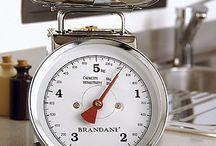 I love Brandani / Brandani è ormai un brand noto per le idee originali e creative...Ogni oggetto è coloratissimo e soprattutto è dedicato a chi non vuole rinunciare a un tocco di design nella propria casa...