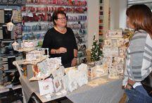 Demo Anita Izendoorn - 19 december 2015 / Op zaterdag 19 december 2015 was er een demonstratie van Anita Izendoorn. Het was een mooie gedekte tafel met Warme Groetjes.
