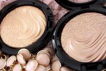 Haul MAC Glamorous Daze, Extra Dimension Skinfinish Whisper Of Gilt and Superb Swatches  / #beauty #makeup #mac #glamorousdaze #extradimension #skinfinish #swatch #superb #whisperofgilt #holidaycollection / by Helen Nguyen