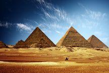 Gli Egizi e la loro Arte / Dalle mastabe alle piramidi, pittura e rilievo, la scultura e le maschere funerarie.