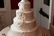 Let Them Eat It!  (wedding cakes, that is) / Cakes we've crossed paths with...