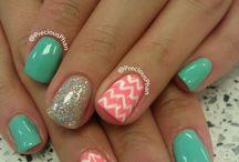 {] Get Them Nails Did [} / by Jennifer Finney