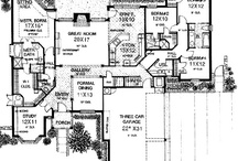 home floor plans / by Leslie Z