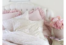 Shabby Chic Home Decor / The shabby chic home oozes character and charm, merging pretty pastel shades with delicate floral designs, lovely laces and rustic, worn vintage finds. The base is often white, with colour pops of dusty pinks and blues, duck-eggs and faded greens. Delightfully feminine, bright and breezy.