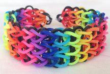 Pulseiras de Elástico /  Como fazer pulseiras (Especial pra Sthefany) para distrair a cabeça... (Rainbow Loom)