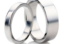 His and hers wedding ring sets / Quite Different His and hers wedding band sets