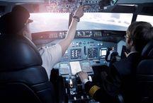 Simulátor BOEING 737NG Praha / Vyzkoušejte si řídit velké dopravní letadlo BOEING jako opravdový pilot. Jedná se o přesnou repliku kokpitu BOEING 737NG s business prostorem pro cestující a funkčním okénkem na křídlo letounu. Reálný kokpit s dokonalou 180° projekcí. K výběru až 24.000 letišť po celém světě jako je Madeira, Innsbruck, Kai-Tak, St. Maarten a další dle délky zážitku. Individuální zážitek s vaším doprovodem.  Více info: http://www.impresio.eu/zazitek/simulator-boeing-737ng