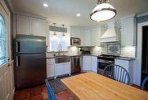 Maple - White - Shaker / Designer: Karolina Zawistowska – Stone Art Design Home Design Center  Specie: Maple Color: White Overlay: FOLC Doors: Shaker Drawer: 5pc Flat
