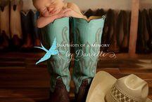 Maternity & newborn pictures  / by Kelly Jakubczak