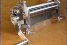 Lemezhengerlő gép