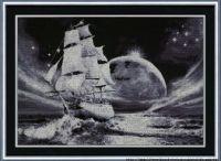 černobílá loď