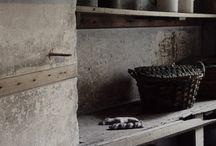 estante, cocina / estante de madera con fondo gris