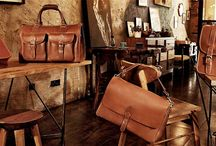 Leather Bags and Leather Handbags / Leather bags and leather handbags brand in Hongkong.Their products include:  leather briefcases, leather backpacks, leather handbags, leather laptop bags, leather messenger bags, leather travel bags, leather duffle bags, leather totes, leather belts, leather satchels, leather clutches, leather purses, leather wallets, etc.