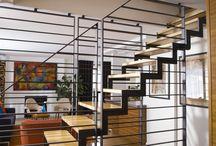 Le Métal  |  Inspiration Design / Roi des styles industriel et éclectique, le métal est de plus en plus populaire auprès des designers d'intérieur. Autrefois, dissimulé à l'intérieur des structures de bâtiment, il est maintenant recherché comme élément décoratif apparent. Utilisé sous différentes formes, il donne à la fois du caractère et de la brillance à une pièce.