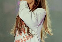 ARIANA GRANDE / She's the queen of the world!!!