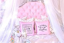 Room Decor / Theme Pink, White and Silver