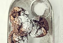 Food-Cookies & Biscuits / by Nicola Pretorius