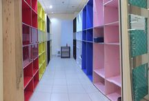 Box Bigboss Showcase / Showcase space rental. Pop-up store Consignment store. Craft store. Toys store