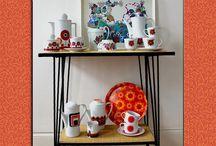 Collection Bavaria Seventies / 1 Rue Vintage vous propose un large choix de porcelaine Bavaria, made in Germany, des années 70.  On adore leurs motifs graphiques et colorés !