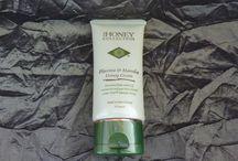 Natuurlijke huidverzorging met Manuka Honing / Natural Skincare                  The Honey Collection