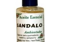 aromaterapia / Los aceite esenciales de aromaterapia concentran las cualidades naturales de las plantas que representan. Se emplean tradicionalmente para quemar, utilizando un quemador u hornillo.