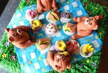 Teddy Bears Picnic Cake / by Nurit Zodrow