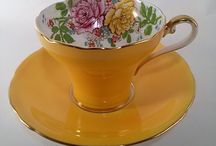 Pretty Vintage Tea Cups and Saucers