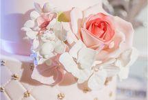 Wedding Cakes / Gorgeous wedding cakes from around the web