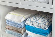 Organização de guardar roupa