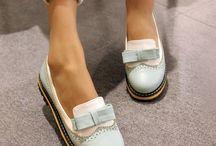 VALLKIN footwear