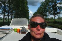 Croisière sur le Canal de Bourgogne / Une croisière sur le Canal de Bourgogne en bateau sans permis Avec L'VIRIS,(Société de M. Iris Lopez ) et l'Office de Tourisme de Montbard, du 18 au 22 mai, Gaelle a testé pour vous une croisière sur le Canal de Bourgogne, entre Montbard et Tonnerre. Toutes les photos sont de Gaelle ;-) Et pour la petite histoire, c'est par ici: https://GaelleBOURHIS.exposure.co/une-croisire-sur-le-canal-de-bourgogne-cest