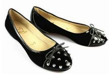 Christian Louboutin Flat / Christian Louboutin Flat for Sale are designed for you when you want to go marching or take part in climbing activity. You will enjoy the comfortable, by the Discount Christian Louboutin Shoes ,All the products are free shipping,please contact with our customer service department.
